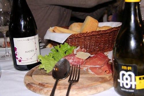Zwischenübernachtung Nähe Gardasee und Abendessen.
