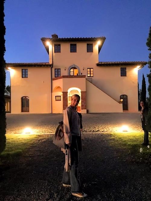 Majestätische Fassade des Herrenhauses auf dem Landgut Terricciola.