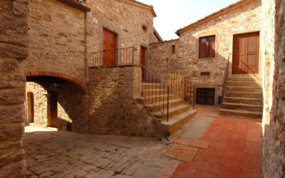 Burg Chianti 4 Außenansichten 02