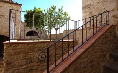 Burg Chianti 4 Außenansichten 03