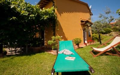 Ferienhaus Toskana 2 Wohnung Melo Garten 05