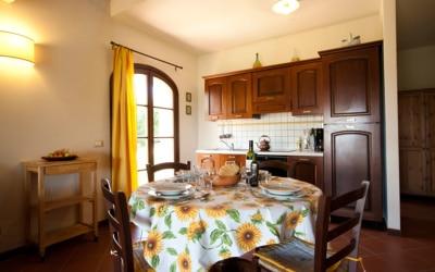 Ferienhaus Toskana 2 Wohnung Pero Küchenzeile 01