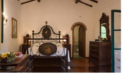 Landvilla Guardistallo Schlafzimmer 12