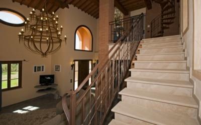 Villa Peccioli 5 Treppenhaus 02