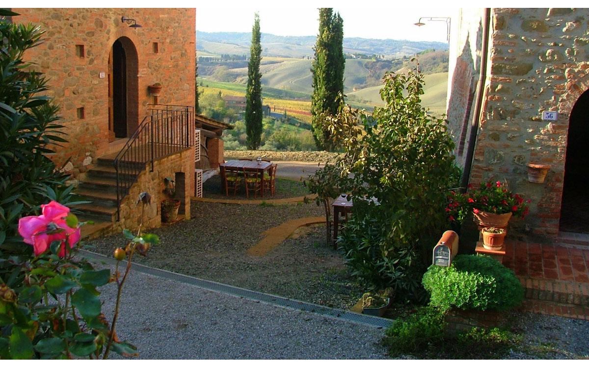 Weingut Terricciola 6 Außenansichten 01