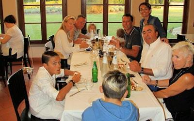 Elisa & Davide besuchen Ihre Kunden imLandgut Terricciola.