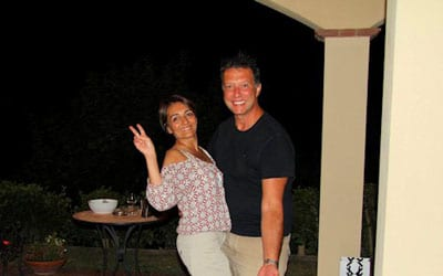 Elisa und Davide empfangen Ihre Kunden in Via dei Poggiarelli 9 56030 Terricciola
