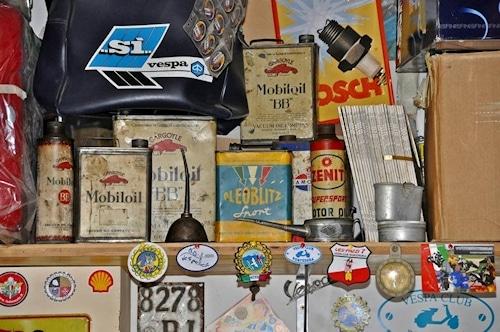 Vespa-Werkstatt und Mini Vespa-Museum für echte Sammler