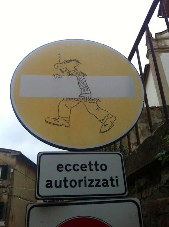 Straßenverkehrsordnung ähnlich wie in Deutschland.
