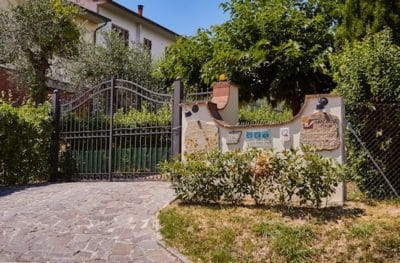 Einfahrt zum Vertretungsbüro - Via dei Poggiarelli 9 56030 Terricciola
